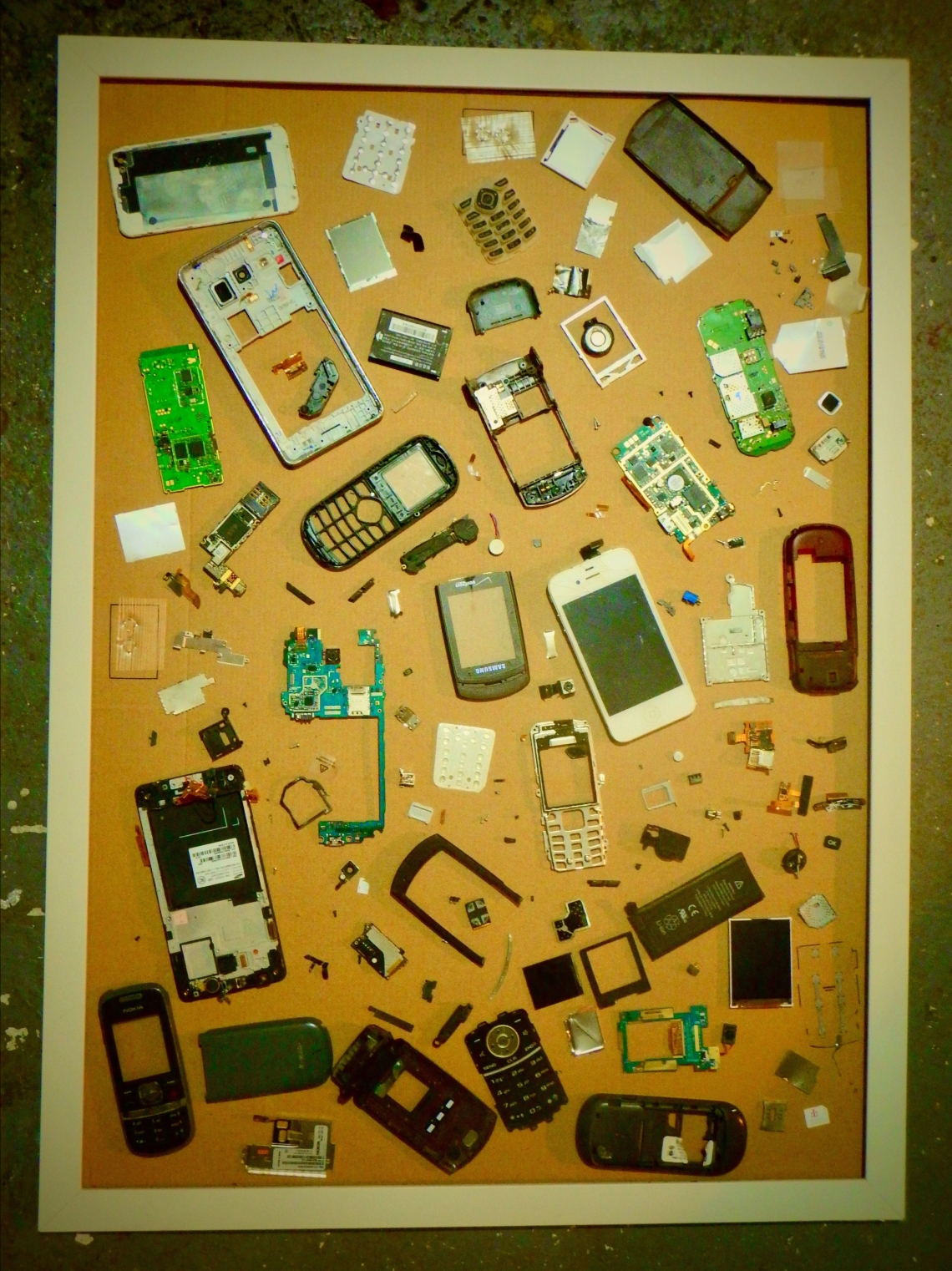 What is inside our phones?